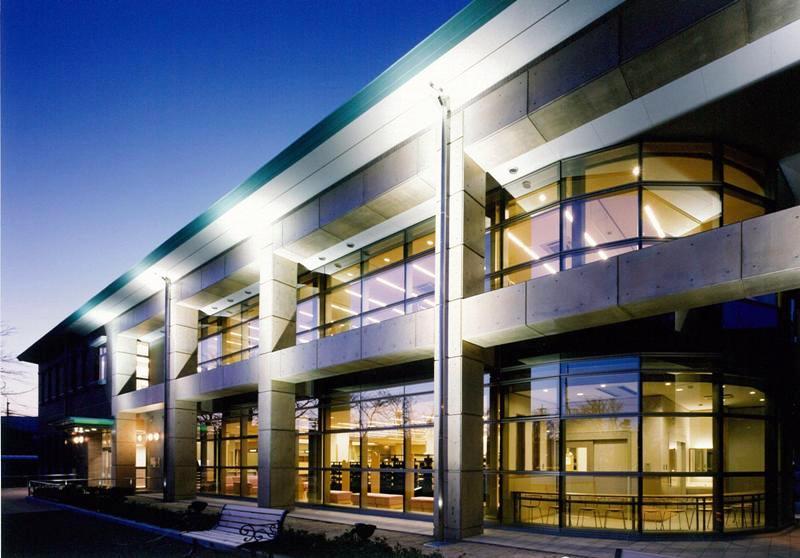 下諏訪町立図書館 新築 【文化施設】 - 伊藤建築設計事務所