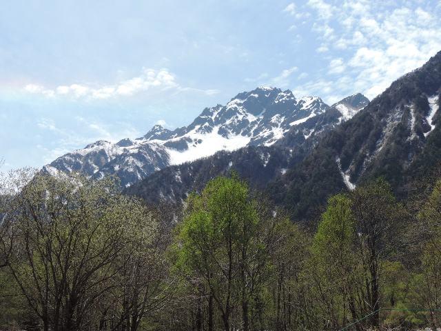 前穂高岳と七色の帯