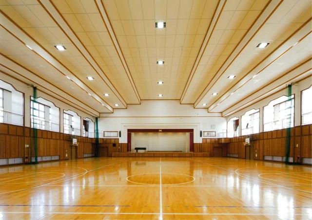 大町西小学校屋内運動場非構造部耐震化